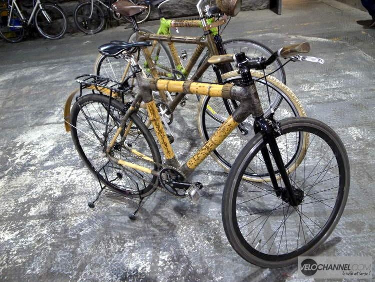 vélo à cadre en bambou