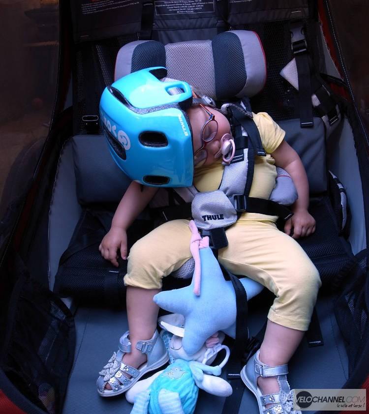 enfant endormie malgré les secousses