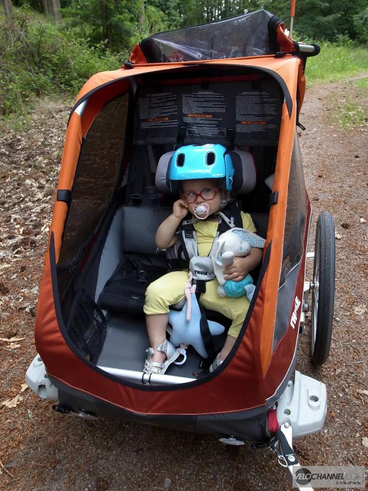 position de l'enfant après une piste en montée