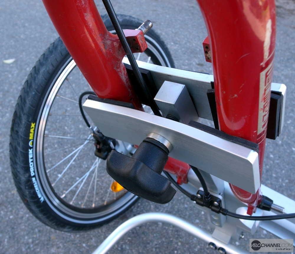fixation d'un Addbike sur une fourche rigide