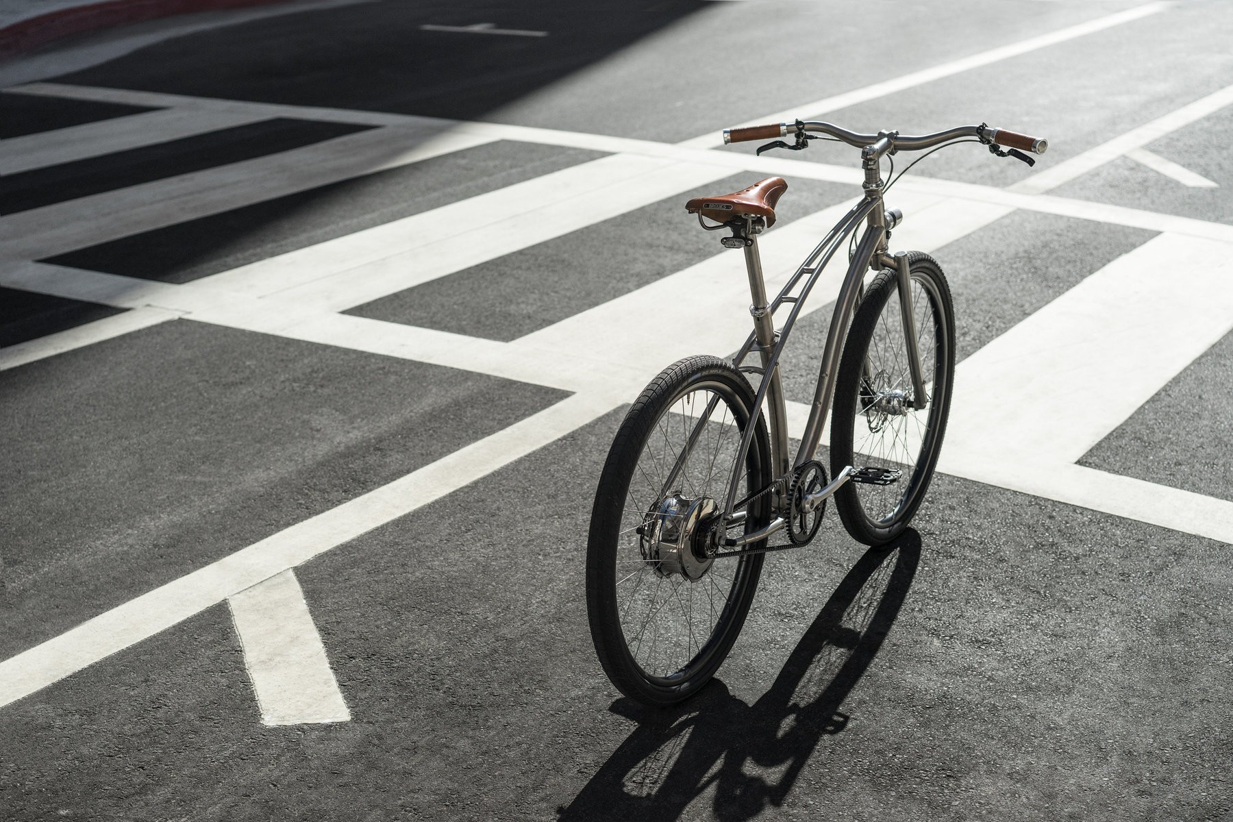 nwm-budnitz-bicycle-vae-ebike-titanium-brooks-urban-urbain-city-titane-velo