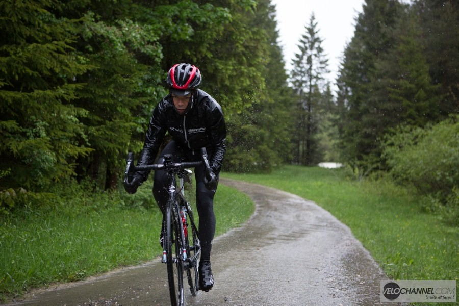 Sram_Force_1_Action 2
