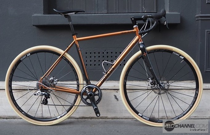 Genesis_Croix_de_Fer_custom_profil