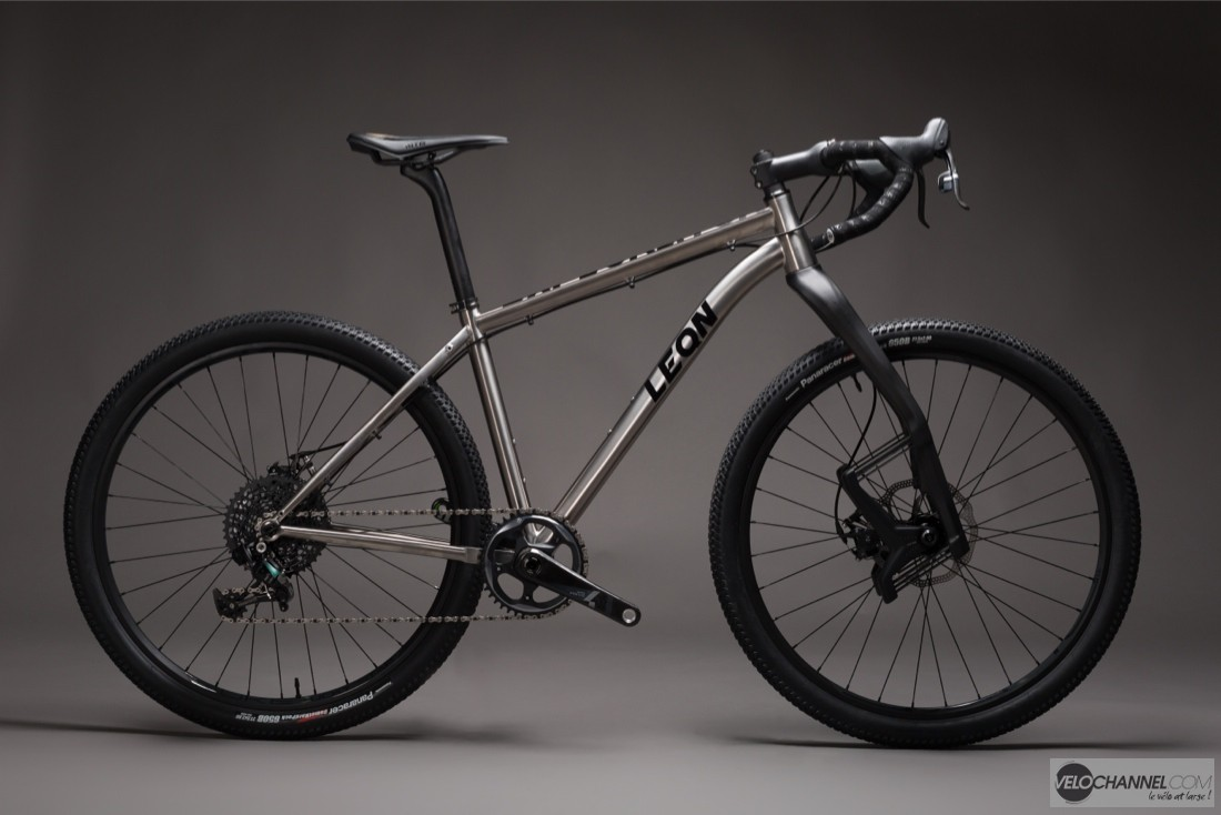 Cycles-Leon-Explorator-lauf-sram-force-1-titane.jpg