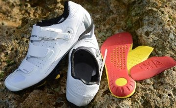 présentation des chaussures Shimano RP9 blanches