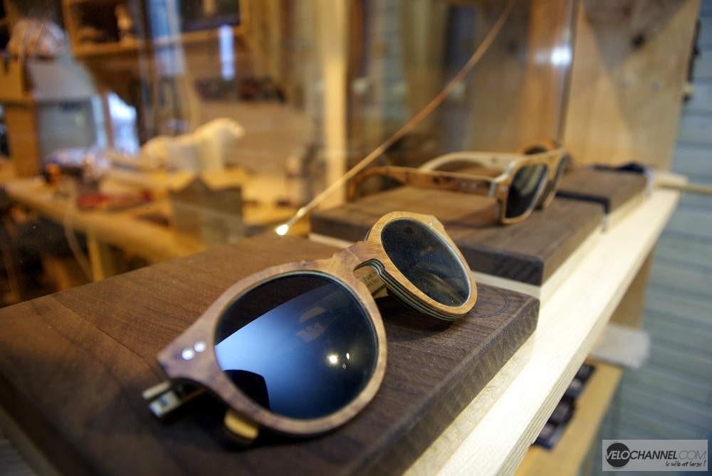 paire de lunettes en bois In'bô