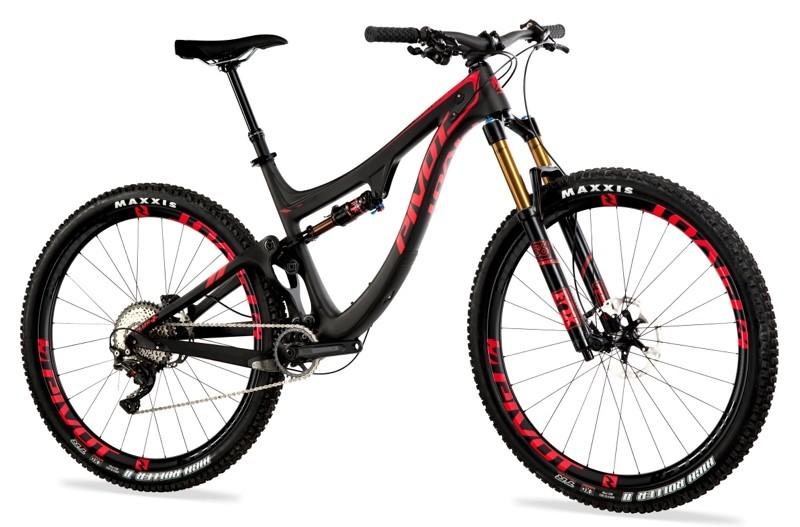 nwm-VTT-Enduro-Trail-Pivot-Switchblade-29-carbon-black-XT-XTR-Pro-angle