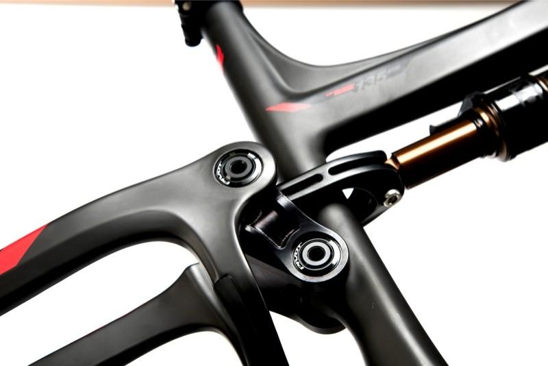 nwm-switchblade-black-frame-upper-linkage-biellette