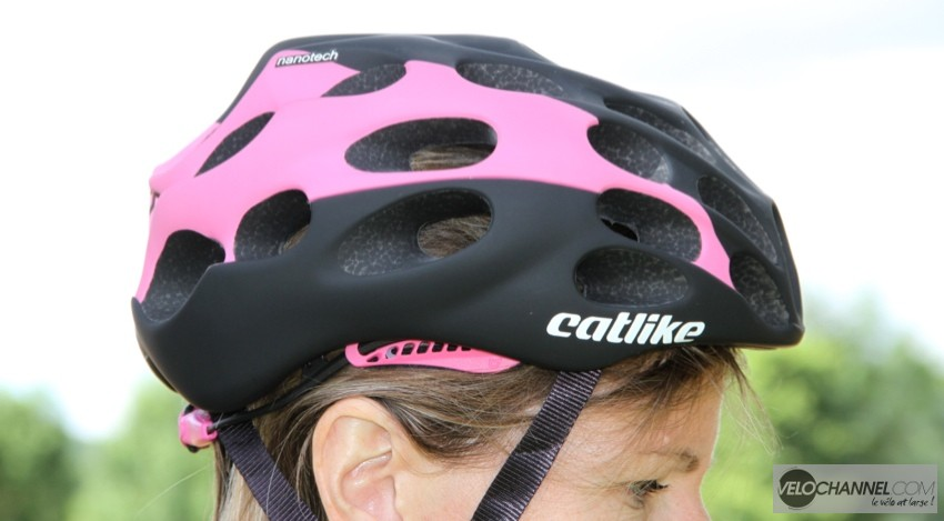 catlike-mixino-rose-clair-noir-mat-coté