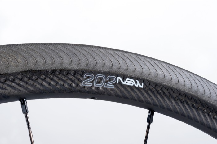 nwm-zipp-202-NSW-CC_V1_700SR_11S_detail_202
