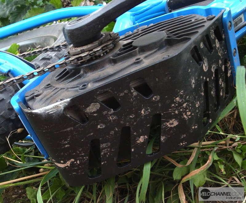 trace de pierre sur le sabot moteur de l'Orbea Wild 20