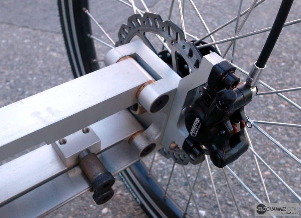 porte-fusée et étrier Tektro du prototype Addbike