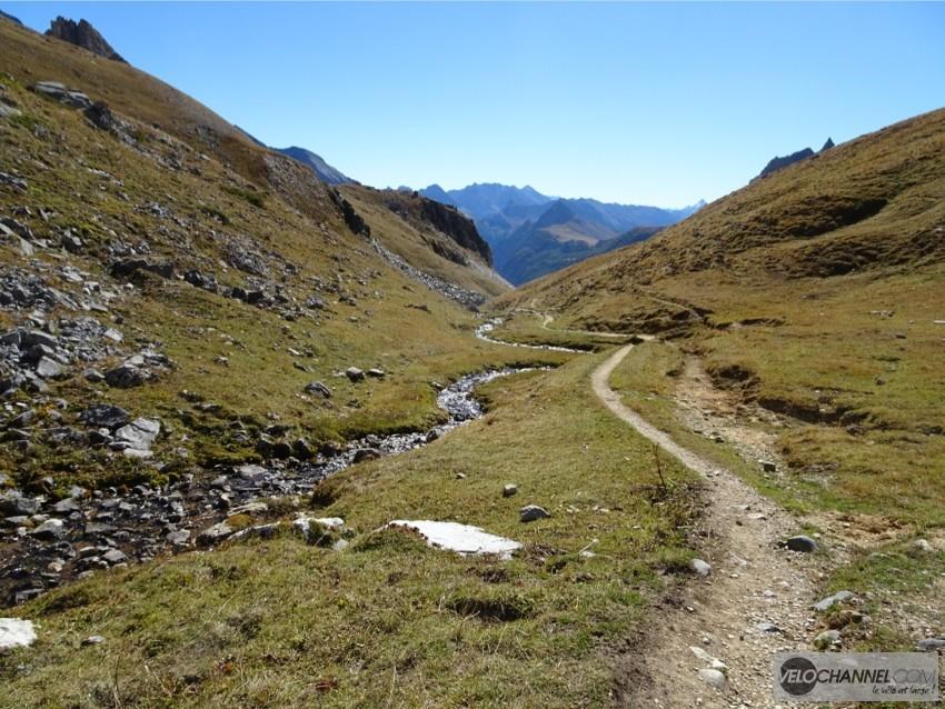 sentier-alpin-vallee
