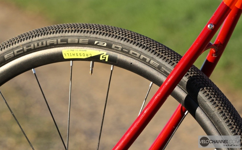 schwalbe-g-one-700x40-gravel-performance-line-folding