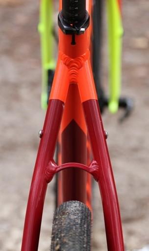 verticale-lapierre-crosshill-500-degagement-pneu-haubans
