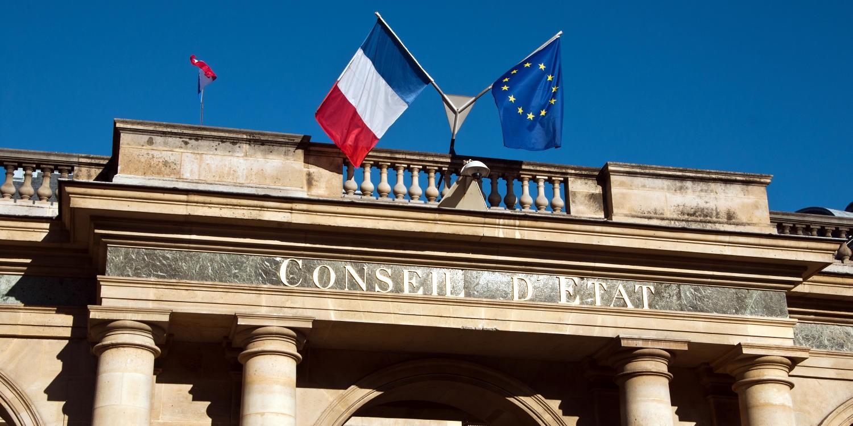 drapeaux du Conseil d'Etat
